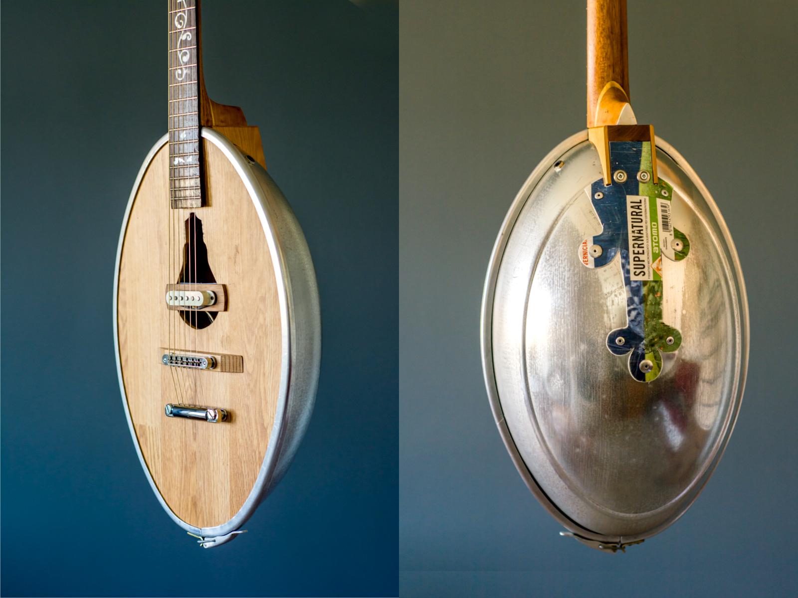 Dettaglio fronte e retro Lampion Guitar in materiali riciclati